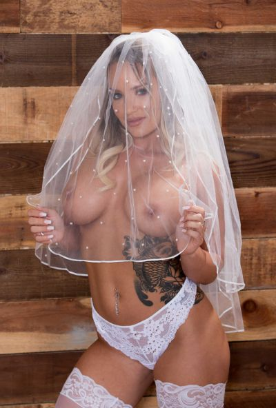 Photo №3 Sexy bride with big ass gets hard anal fucked by groom