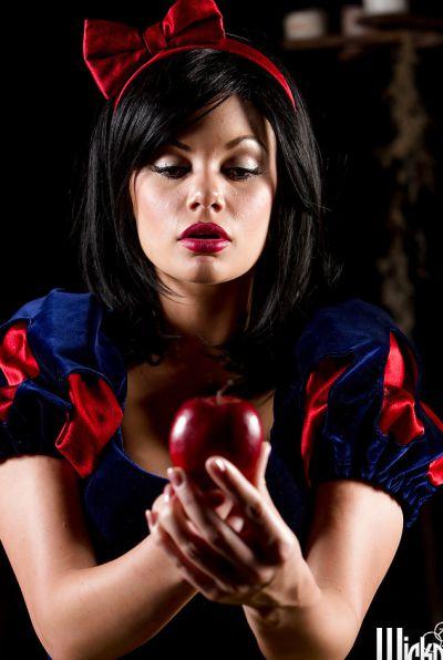 Photo №1 Naked Snow White Jessica Drake