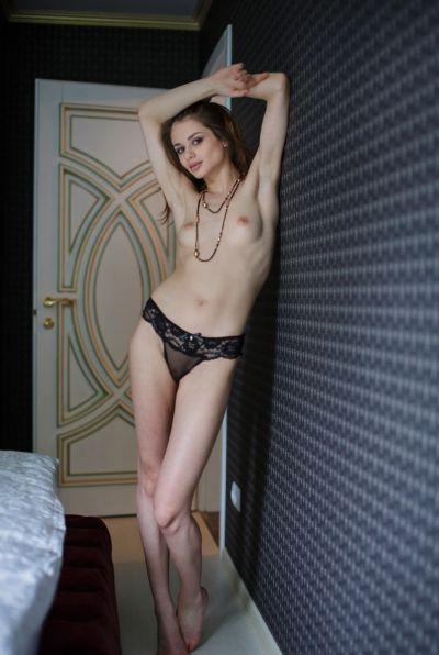 Photo №6 Young skinny model Loretta A