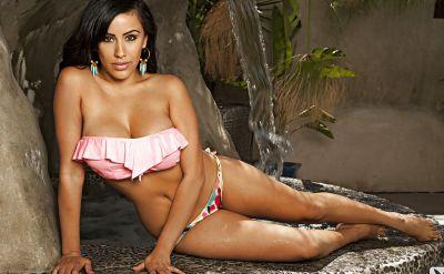 Photo №7 Hot latin girl Bunnie Brook