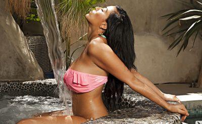 Photo №8 Hot latin girl Bunnie Brook