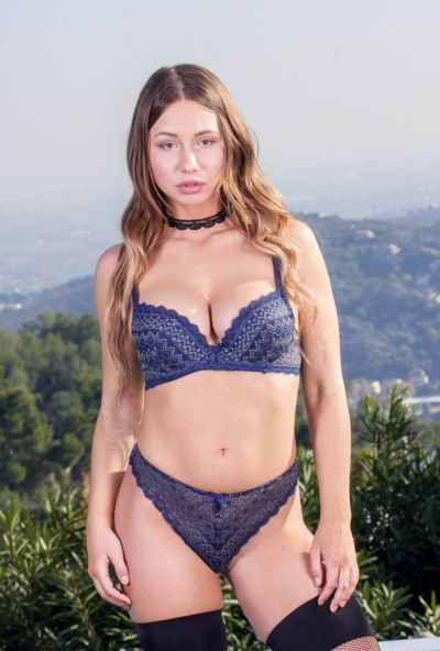 Photo №4 27 yo babe in stockings Taylor Sands gets cum on her face after anal sex