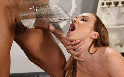Photo №10 Czech babe Vinna Reed and her boyfriend piss on each other