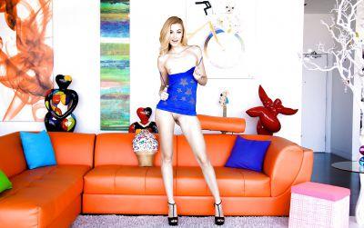 Photo №3 Beautiful blonde porn model Alexa Grace is casting