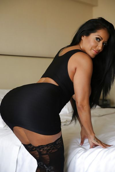 Photo №6 Busty brunette MILF Kiara Mia in stockings