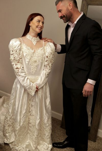 Photo №1 Girlfriend teaches a redhead bride to please her groom in a 3some