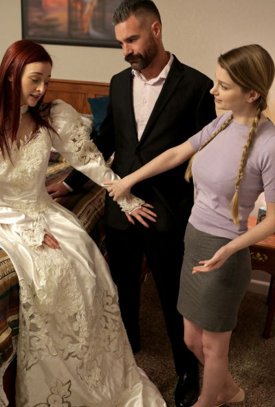 Photo №5 Girlfriend teaches a redhead bride to please her groom in a 3some