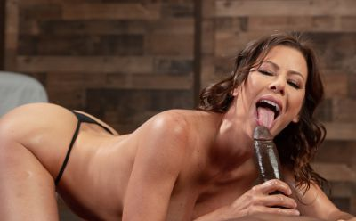 Photo №10 Very sexy MILF in oil Alexis Fawx gets cum in mouth after hard sex with black man