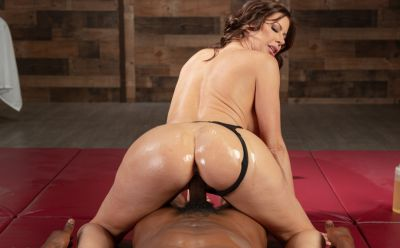 Photo №13 Very sexy MILF in oil Alexis Fawx gets cum in mouth after hard sex with black man