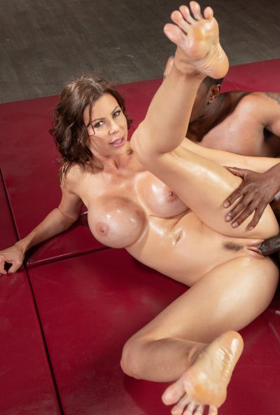 Photo №17 Very sexy MILF in oil Alexis Fawx gets cum in mouth after hard sex with black man