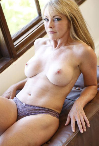 Photo №3 Sexy mature blonde Shayla LaVeaux gets fucked hard with huge dick
