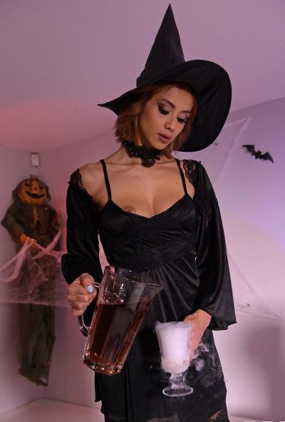 Photo №3 European girl Veronica Leal gets fucked hard in tight anus by fat cock on Halloween