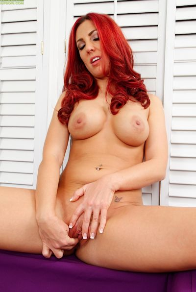 Photo №15 Redhead girl Shaun Summers nicely masturbates with her fingers