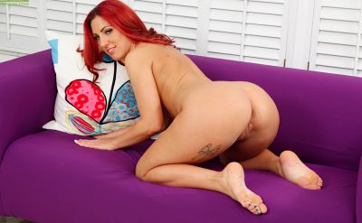 Photo №7 Redhead girl Shaun Summers nicely masturbates with her fingers