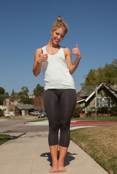 Photo №3 Attractive teenage girl Candace Mazlin posing in gym tights