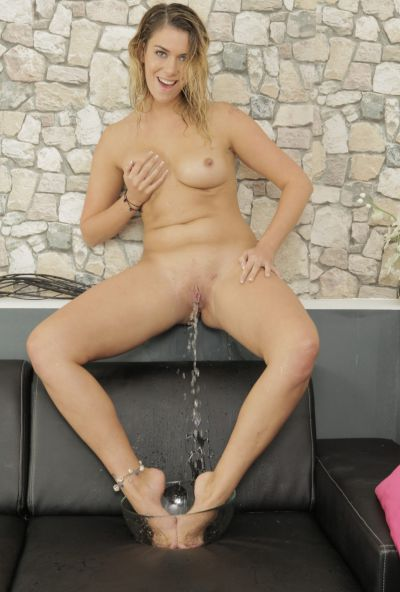 Photo №18 Horny blonde Any Blackfox pees in a bowl and drinks it