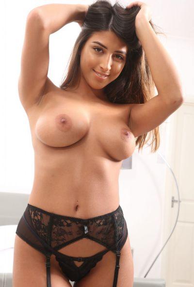 Photo №16 Beautiful babe Alexa poses in hot lingerie