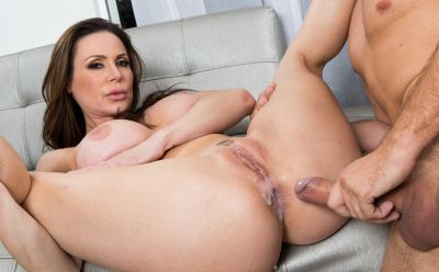 Photo №20 Sexy MIFL Kendra Lust has anal sex in gym with her personal trainer