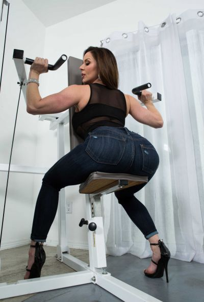 Photo №4 Sexy MIFL Kendra Lust has anal sex in gym with her personal trainer