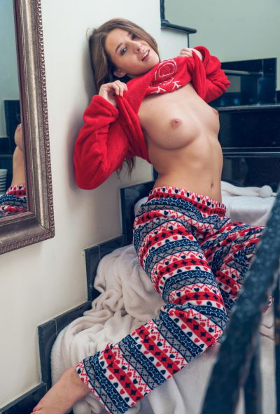Photo №4 Cute babe Sybil undressed on Сhristmas morning