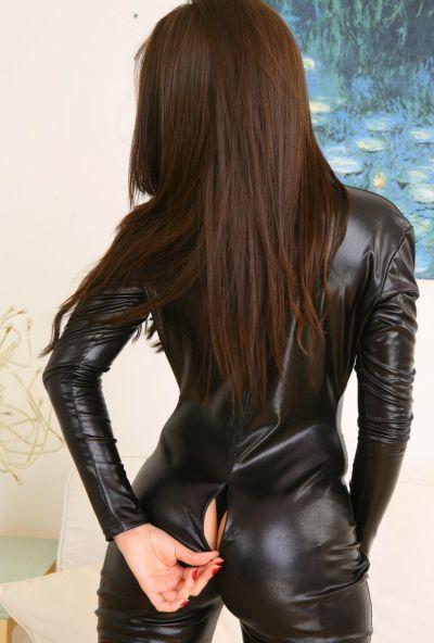 Photo №12 Beautiful brunette Natalia took off her black latex suit
