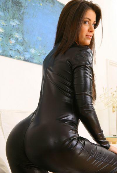 Photo №4 Beautiful brunette Natalia took off her black latex suit