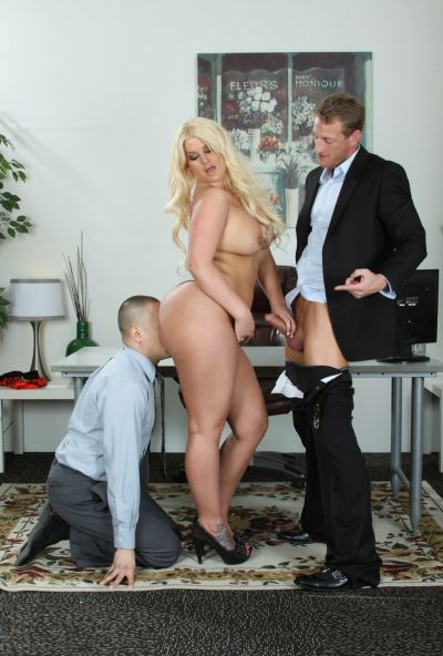 Photo №1 Lover has some fun with fatty sexy blonde Julie Cash in front of her boyfriend