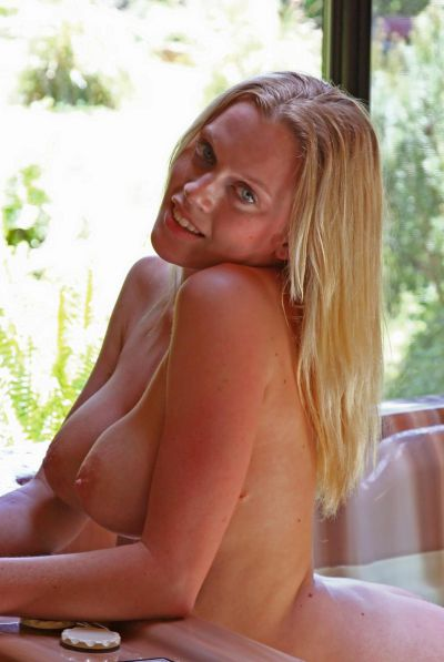 Photo №5 Naked busty blonde Alecia posing in the pool