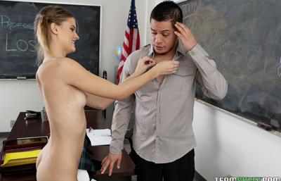 Photo №4 Lustful schoolgirl Scarlett Fever undressed and seduced the teacher in the classroom