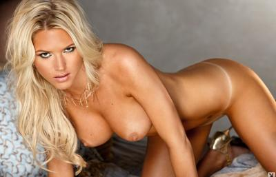 Photo №17 Blonde beauty Ashley Mattingly strips off her lingerie and poses on the bed