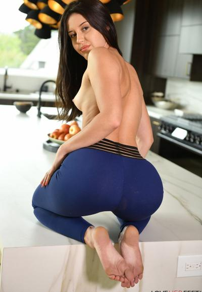Photo №6 Brunette Catalina Ossa gives a footjob and takes cum on her feet after sex