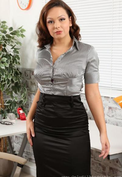 Photo №1 MILF secretary Alicia bared her boobs posing in pantyhose