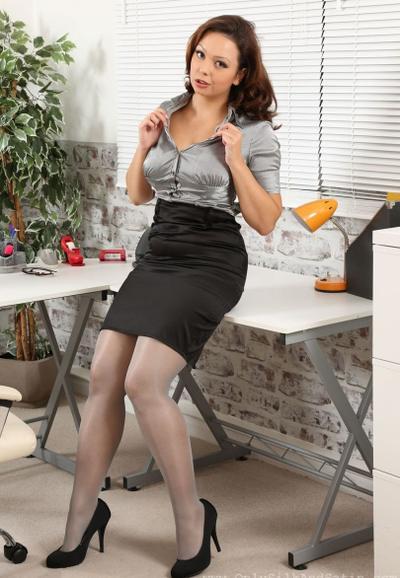 Photo №3 MILF secretary Alicia bared her boobs posing in pantyhose