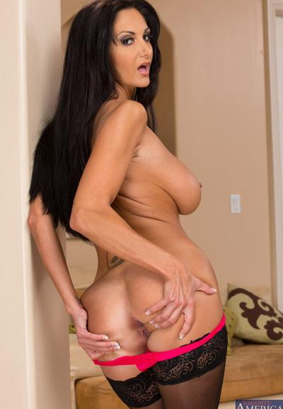 Photo №12 Sexy mature MILF in stockings Ava Addams bared great shape