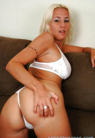Photo №3 Sexy amateur blonde Angelina fingering her pussy close up
