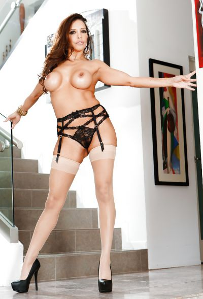 Photo №10 Busty MILF Francesca Le in stockings is preparing for gangbang