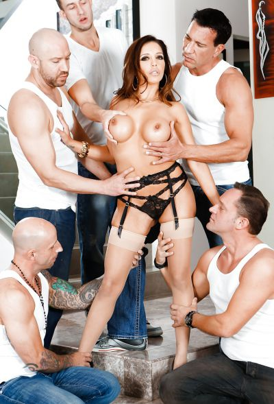 Photo №14 Busty MILF Francesca Le in stockings is preparing for gangbang