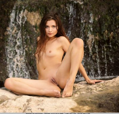Photo №13 Wet Euro babe Berenice poses in bikini and nude outdoors