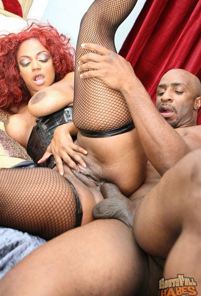 Photo №14 Curly redhead ebony MILF Sinnamon Love has anal sex in stockings