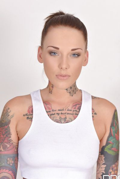 Photo №2 Naked tattooed girl