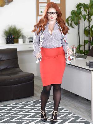 Redhead curvy secretary Lennox Luxe