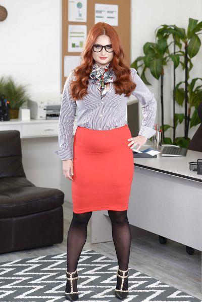 Photo №1 Redhead curvy secretary Lennox Luxe
