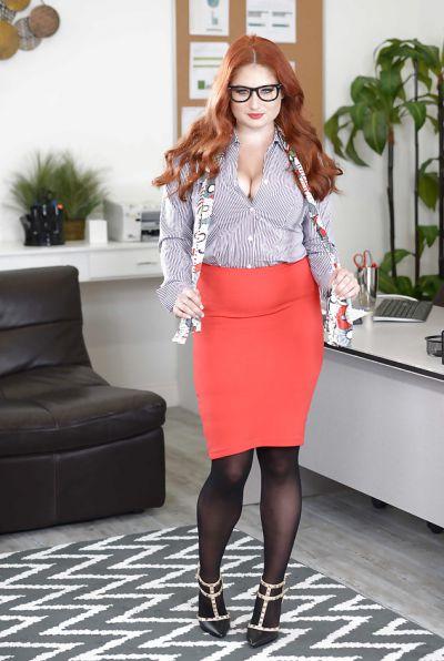 Photo №2 Redhead curvy secretary Lennox Luxe