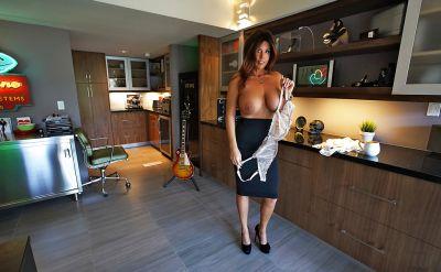 Photo №10 Mature brunette with big tits Sandra Otterson