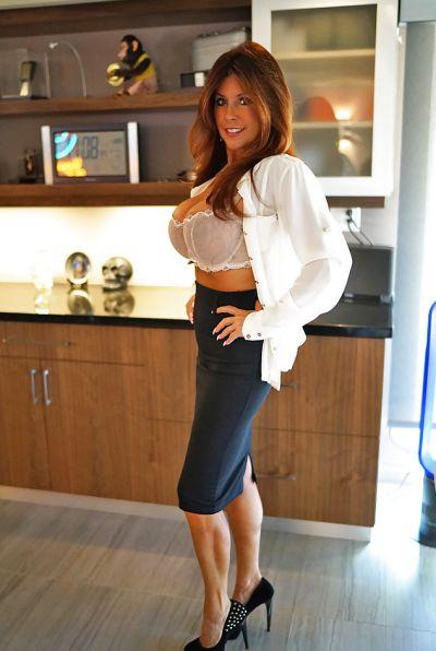 Photo №2 Mature brunette with big tits Sandra Otterson