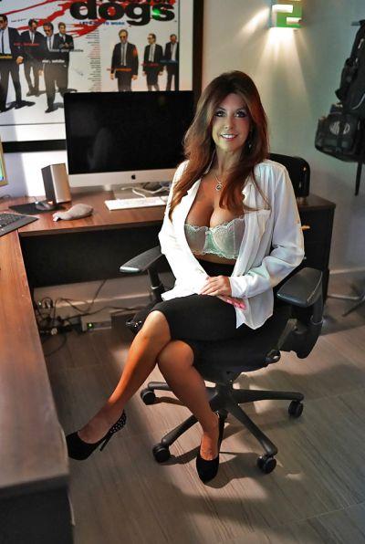 Photo №3 Mature brunette with big tits Sandra Otterson