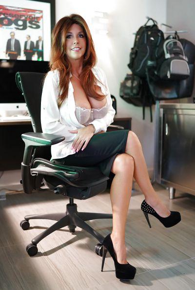 Photo №4 Mature brunette with big tits Sandra Otterson