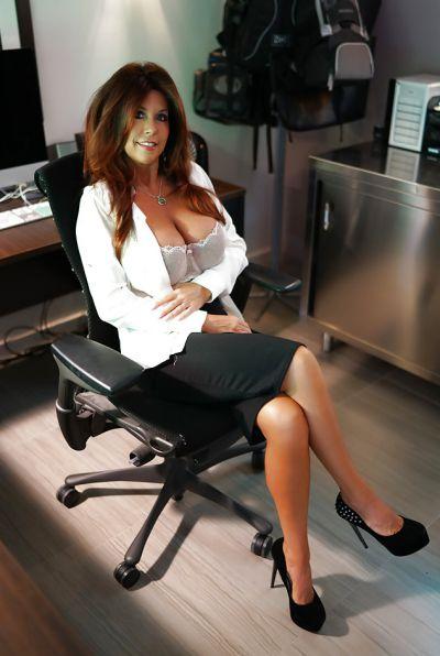 Photo №5 Mature brunette with big tits Sandra Otterson