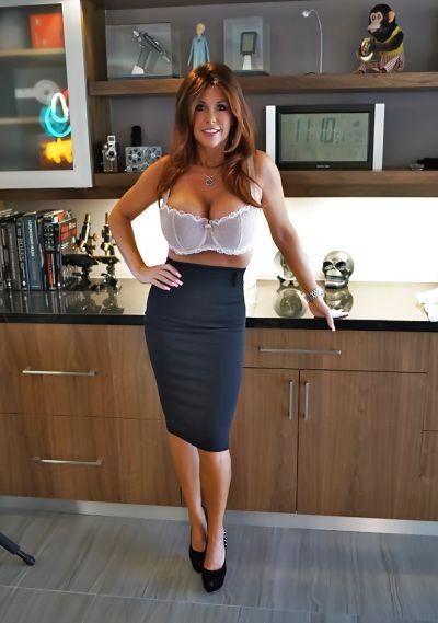 Photo №6 Mature brunette with big tits Sandra Otterson
