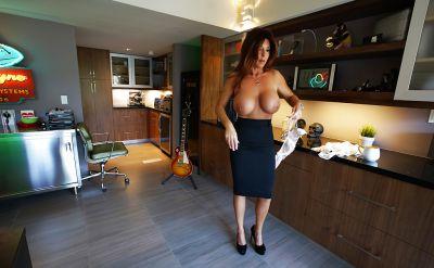Photo №9 Mature brunette with big tits Sandra Otterson